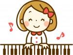 ピアノを弾く幼稚園児