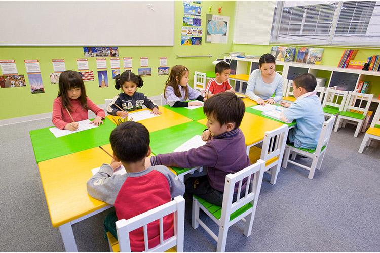 スターブレインズ インターナショナルスクール 神戸校(週休3日)